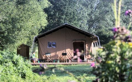 1_safari_tent_outside_front_450x281px.png